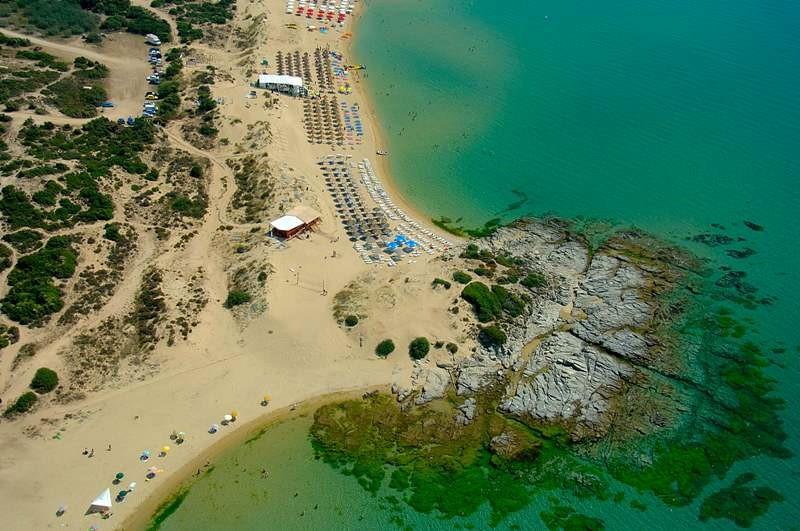 Στην εξωτική παραλία Αμμόλοφοι Καβάλας