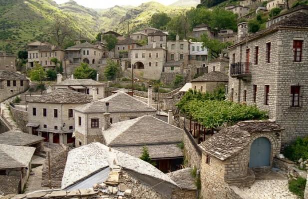 Συρράκο και Καλλαρύτες στα Τζουμέρκα Ιωαννίνων, δυο δίδυμα χωριά αναλλοίωτα στο χρόνο